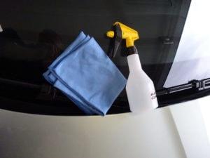 čistič skel a mikroutěrka