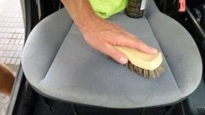 čištění fleků z autosedaček