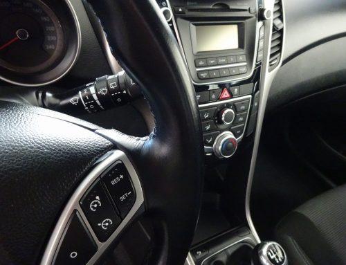 Hyundai i30 – vyčištění látkového interiéru